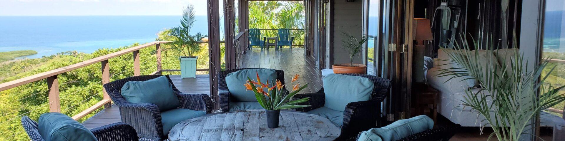 El Mirador - porch with a view in Roatan