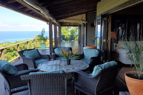 El Mirador - porch with a view in Roatan